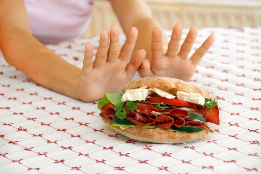 Отказ от еды при отравлении