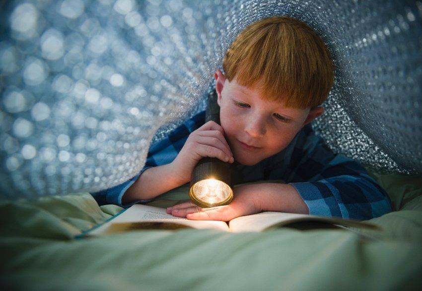 Чтение при тусклом свете
